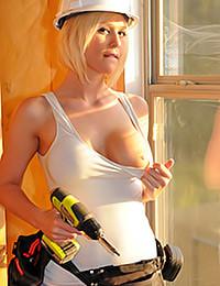 Bailey Kline - Girl On Duty